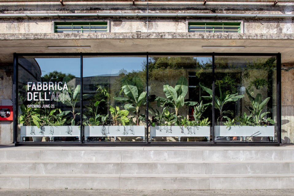 La fabbrica dell'aria: the greenhouse that reduces indoor pollution